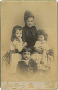 Irini with George, Thetis and John in Aberdeen before 1900